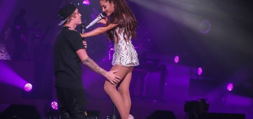 Justin-and-Ariana-getting-cosy-during-one-part-of-As-Long-As-You-Love-Me-in-Miami