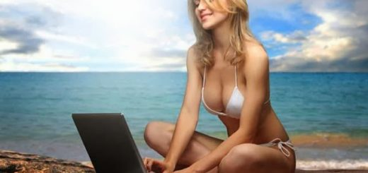 sexy-girl-laptop